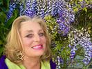 cyn-wisteria leaning
