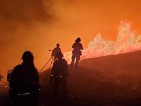 firefihters fighting moraga fire___12001032972